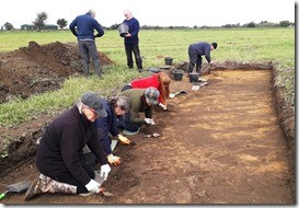 Volunteers join the archaeological dig