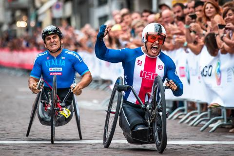 two UCI Para-cyclist crossing the finish line